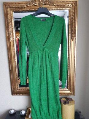Grasgrünes strahlendes Wollkleid