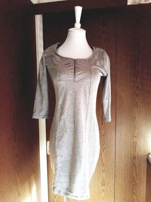 Grau Dress