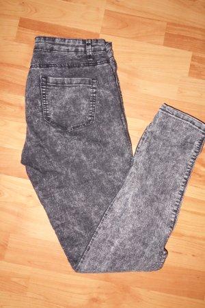 Grau gemusterte Jeans
