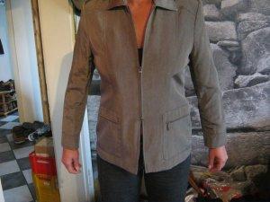grau-glänzende Jacke