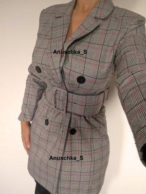 Grau kariertes Blazerkleid Blazerdress Minikleid belted Gürtel Langarm