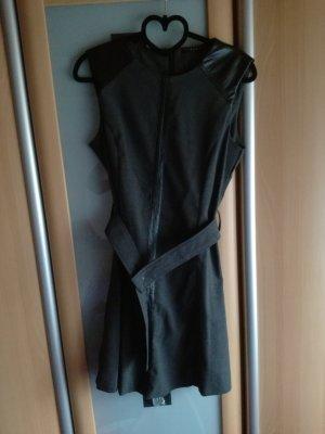 grau kartiertes Kleid