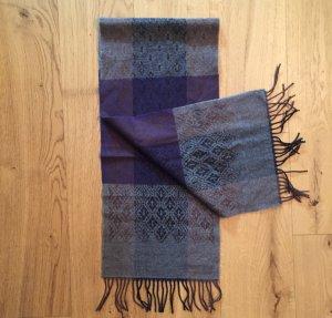 Grau-lilaner Schal aus Wolle (Viribus Unitis)