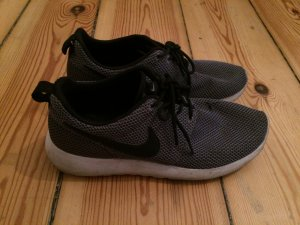 grau melierte Nike Roshe