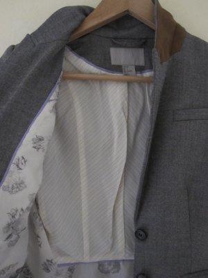 Grau-melierter Blazer mit tollen Details in Größe 34