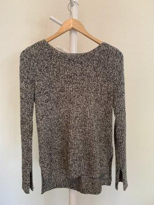 Grau melierter Pullover