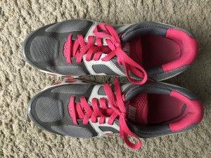 Grau/ Pinke Nike Sneaker Sportschuhe