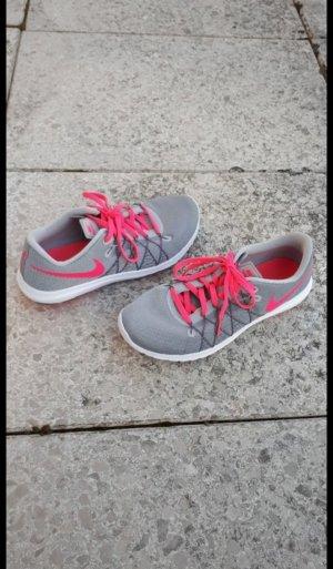 Grau/Pinke Nike Turnschuhe