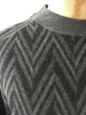 Grau schwarz gemusterter Merinowolle Pullover von Cos