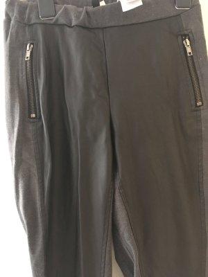 Grau schwarze Lederhose