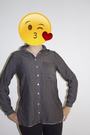 Grau-Schwarzes Hemd