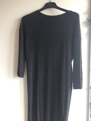 Grau schwarzes Kleid