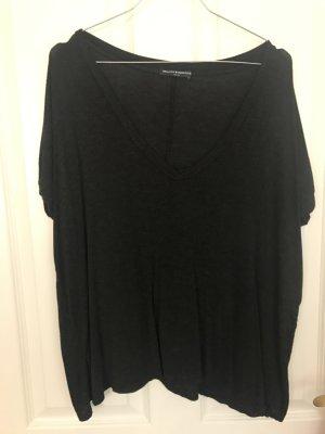 Grau-schwarzes Tshirt