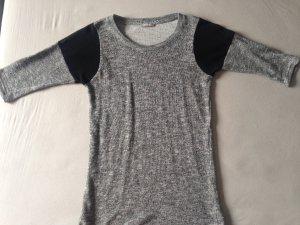 Grau-Silbernes Shirt