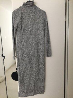 Grau weißes Kleid