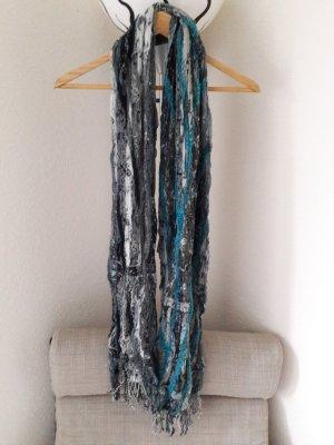 Graublau gemusterter Schal mit Fransen
