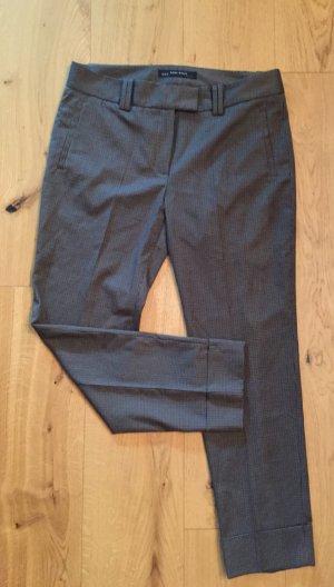 Graubraune gemusterte Bundfaltenhose von Zara Basic NEU