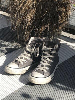 Graue Chucks in Größe 6 zu verkaufen