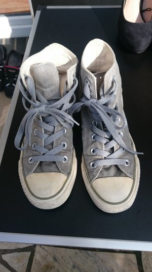 Graue Converse All Star