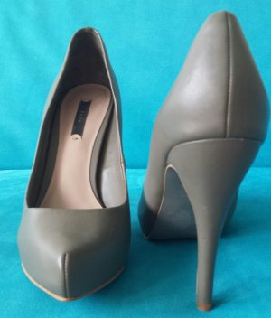 Graue elegante Pumps von Zara
