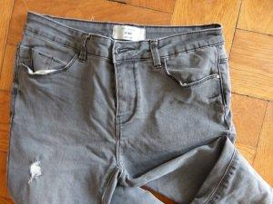 graue enge Skinny Jeans im used look, lange Beine