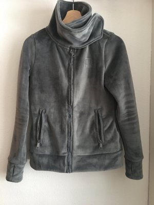 graue fleecejacke von bench