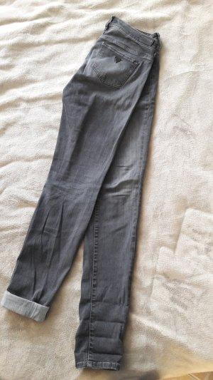 Guess Pantalón gris oscuro