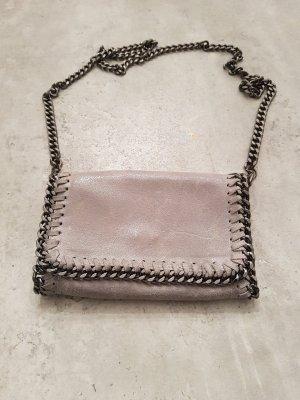 Bolso tipo pochette gris claro