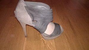 Graue High Heels von Helén Billkrantz