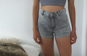 graue high waist H&M shorts