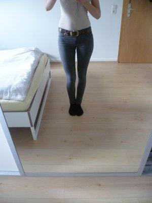 graue Highwaist Jeans 28