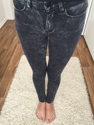Graue Highwaist Röhrenjeans