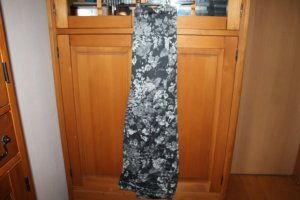 Graue Hose aus leichterem Baumwollstoff und Elastananteil; Größe 44