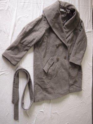 graue Jacke von Ashley Brooke