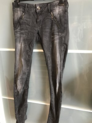 Graue Jeans guess