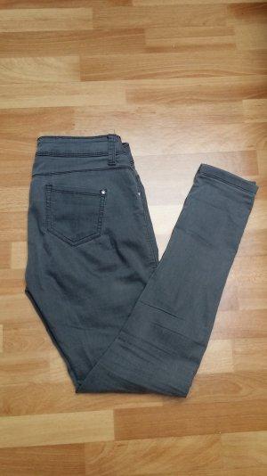 graue Jeans Röhrenjeans von Atmosphere Gr. 36