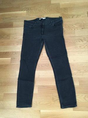 Graue Jeans von Any Other Stories, Größe 31. Klein geschnitten, passt auch für Größe 30.