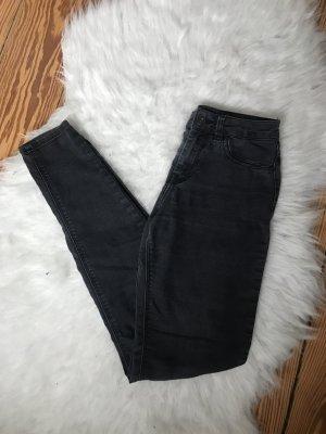 Graue Jeans von Bershka