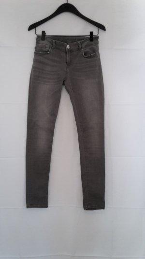 Graue Jeans von Hallhuber