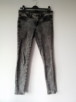 graue Jeans von Mango