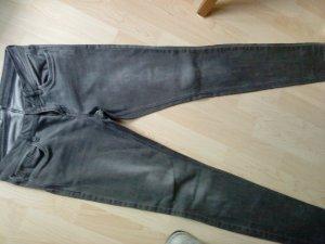 graue Jeans von s.Oliver in 28/32 sadie super skinny