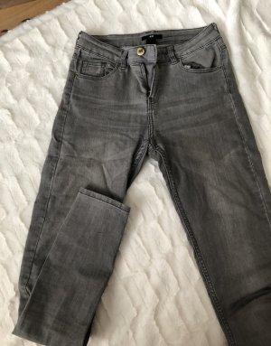 Graue Jeans Zara