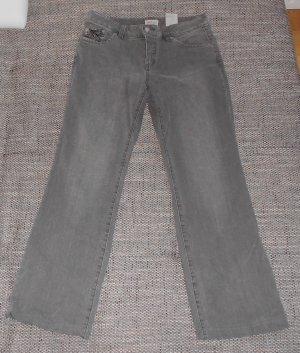 graue Jeanshose mit Waschungen Gr. 40