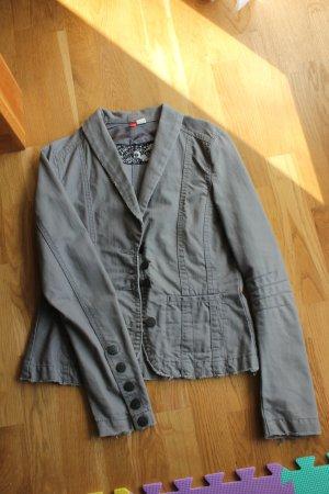 Graue Jeansjacke von H&M *reduziert*