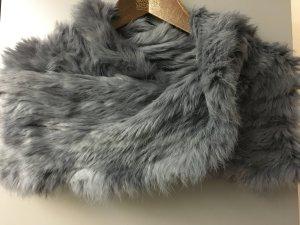 Graue Kaninchenfell-Stola