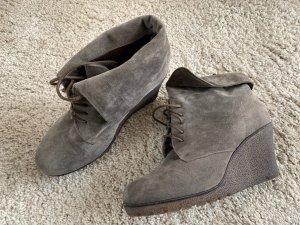 Buffalo Wedge Booties grey