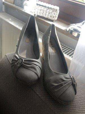 Sandales à talons hauts et plateforme gris-gris clair