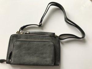 Graue kleine Doppeltasche zum Umhängen