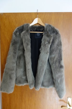 Graue Kunstfelljacke Fake Fur Gr. L Bershka