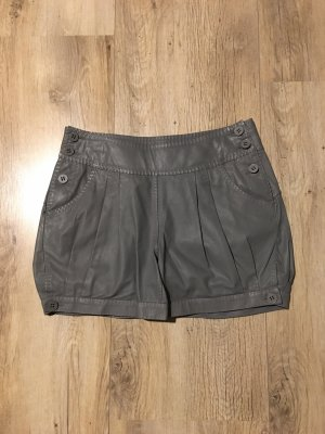 Graue Leder-Shorts von Hugo Boss